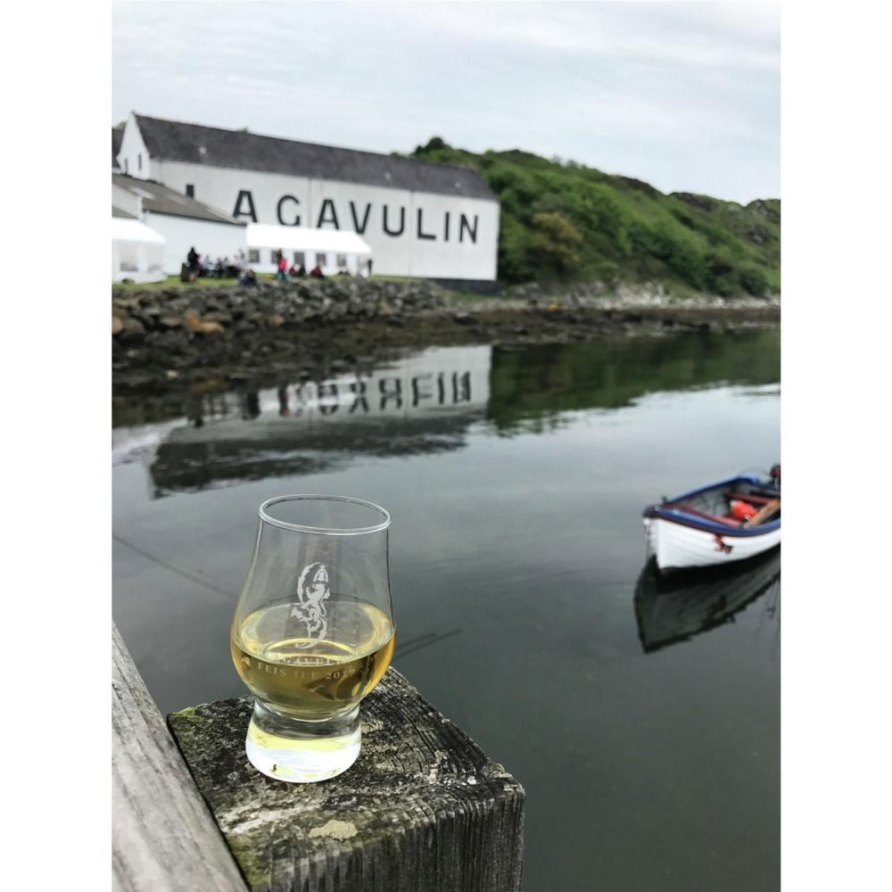 Lagavulin-16-years-ans-Single-Malt-Whisky-Scotch-Alcool-Bouteille-43-200-ml miniature 3
