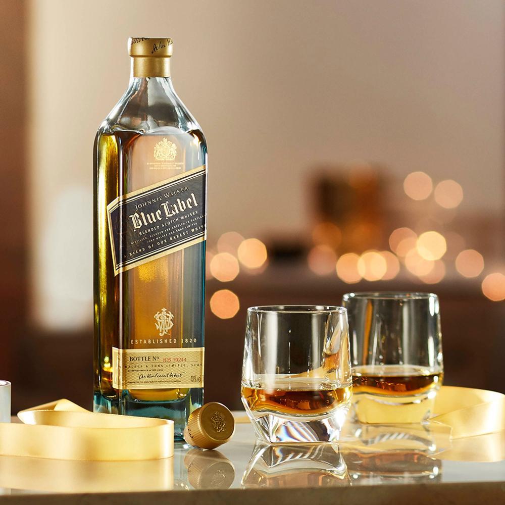 Johnnie-Walker-Blue-Label-Blended-Whisky-Scotch-Alkohol-Flasche-40-700-ml Indexbild 3